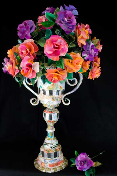 web RP Trophy Vase with Tea Roses IMG